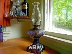 ANTIQUE 1890s BEAUTIFUL AMETHYST GLASS PRINCESS FEATHER OIL LAMP COMPLETE NICE