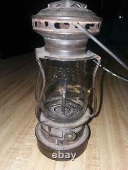 Antique Dietz Skaters Lantern Kerosene Oil Lamp Original Embossed H-3 Globe