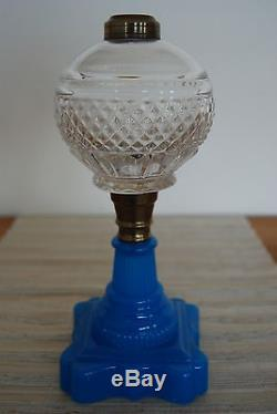 Antique Sandwich Atterbury Blue Glass Oil Kerosene 19c Pattern Eapg Parlor Lamp
