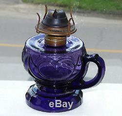 Antique deep purple kerosene finger'heart' patterned OIL LAMP FREE SHIPPING