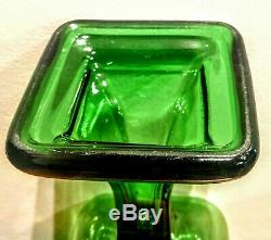 EMERALD GREEN ANTIQUE PEDESTAL OIL LAMP, SHADE Rare to find complete and working