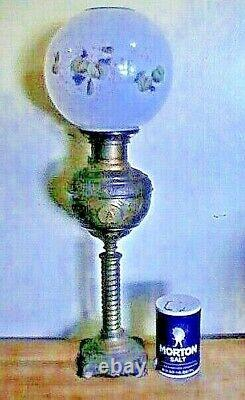 ORNATE VICTORIAN TALL 1890s ANTIQUE BRASS HAND PAINTED PEDESTAL OIL LAMP