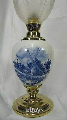 Table Lamp Parlor GWTW Oil Antique Vintage Delft Kerosene Porcelain Banquet